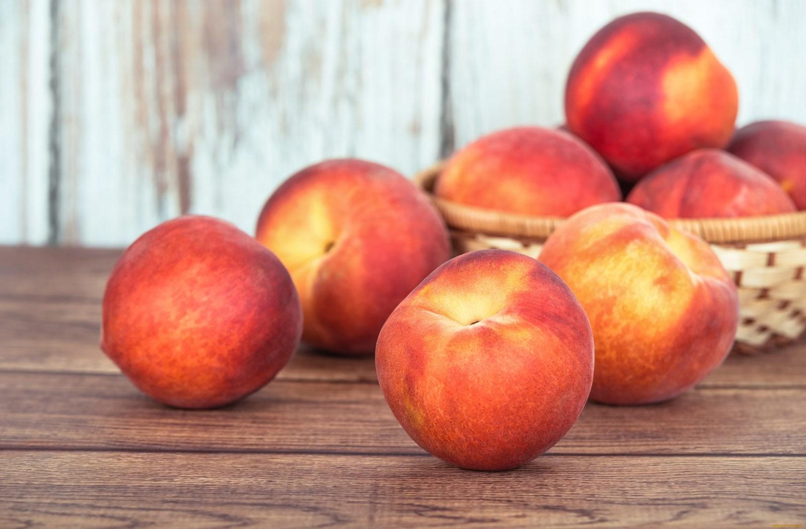 Персик - обладает приятным вкусом и нежным запахом