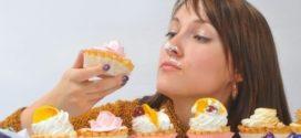 Диетологи дали советы по отказу от сладкого
